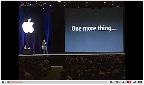 """אמצו Catch Phrase - באירועים רבים, ג'ובס מקדים את ההכרזה האחרונה והחשובה ביותר במשפט """"One more thing"""", שהפך למזוהה איתו"""