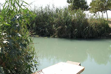 עין נזם, בסמוך לשדה אליהו בבקעת הירדן