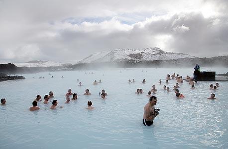 מעיינות חמים באיסלנד