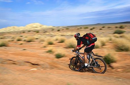 סובב עולם על אופניים, צילום: shutterstock
