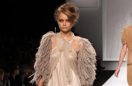 באזומטר: המעצבים הטובים בשבוע האופנה במילאנו