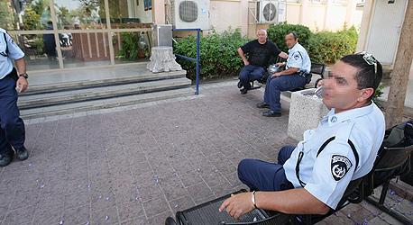 המשטרה הקצתה שוטרים למשחקי כדורגל ושילמה עליהם מתקציבה