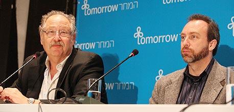 """ג'ימי וולס (מימין) ויוסי ורדי: """"מהיחידים שהצליחו לשנות את העולם בלי גיבוי של תאגידים"""""""