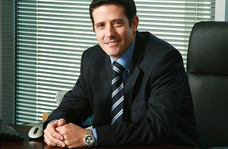 """אמיר אביב, מנכ""""ל פועלים שוקי הון מועמד להחליף את צלניר בפועלים אי.בי.אי"""