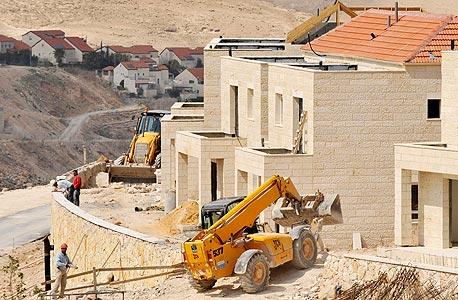 בנייה במעלה אדומים (ארכיון)