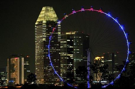 גלגל ענק בסינגפור. 98% מהנשאלים חשים בטוחים ללכת לבד בלילה