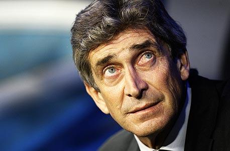 מנואל פלגריני. מקבל בערך 4.5 מיליון יורו יותר מפפ גווארדיולה של ברצלונה אבל עשוי לאבד את מקום עבודתו אם יפסיד בראשון