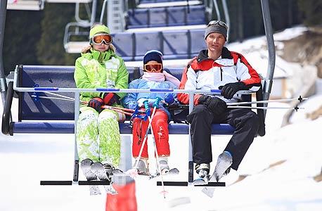 חופשת סקי משפחתית, צילום: shutterstock