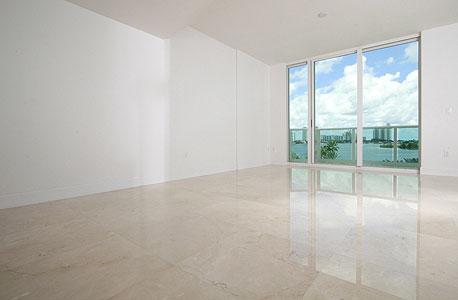 היזמים מוכרים מעטפת של דירה בלבד, ומאפשרים לרוכשי הדירות להתפרע בעיצוב הדירה עוד לפני שהם מניחים בה רגל, צילום: shuterstock
