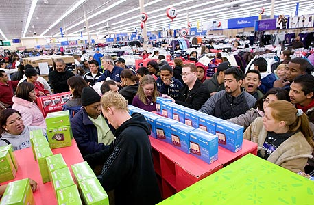 """קניות """"יום שישי השחור"""" בארה""""ב, צילום: בלומברג"""