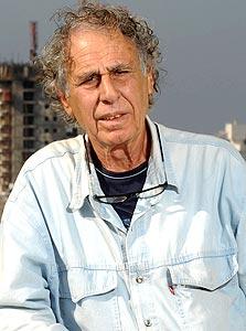 """האדריכל ישראל גודוביץ'. """" מי צריך עוד מוזיאון בתל אביב?"""""""