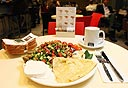ארוחת בוקר של ארומה, צילום: עמית שעל