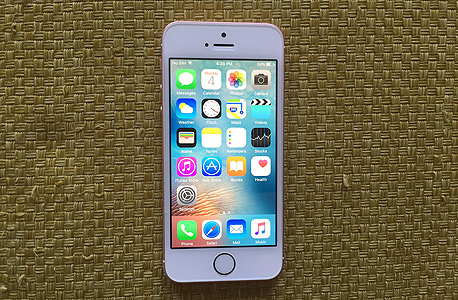 אייפון SE. מכירות של 51.2 מיליון מכשירים לעומת צפי למכירות של 50.7 מיליון מכשירים