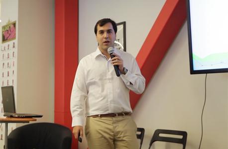 אסף רגב מ-Finupp  באירוע של 500startups, צילום: אוראל כהן