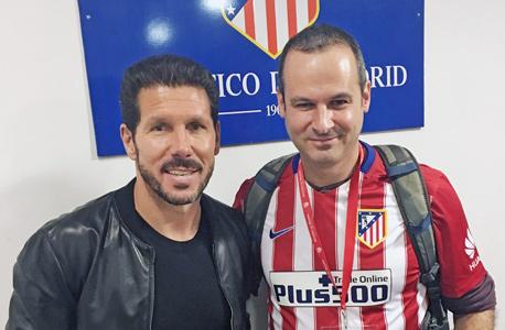 """גל הבר, מייסד פלוס 500 עם דייגו סימאונה, מאמן אתלטיקו מדריד, צילום: יח""""צ"""