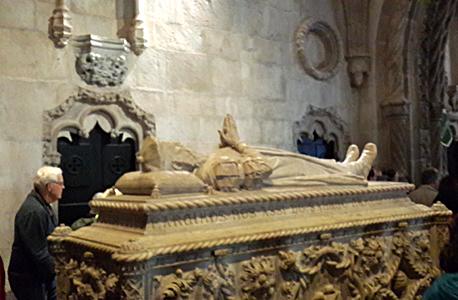 קברו של ואסקו דה גאמה במנזר ז'רונימוש