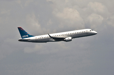 ארקיע מטוס אמבראר E190