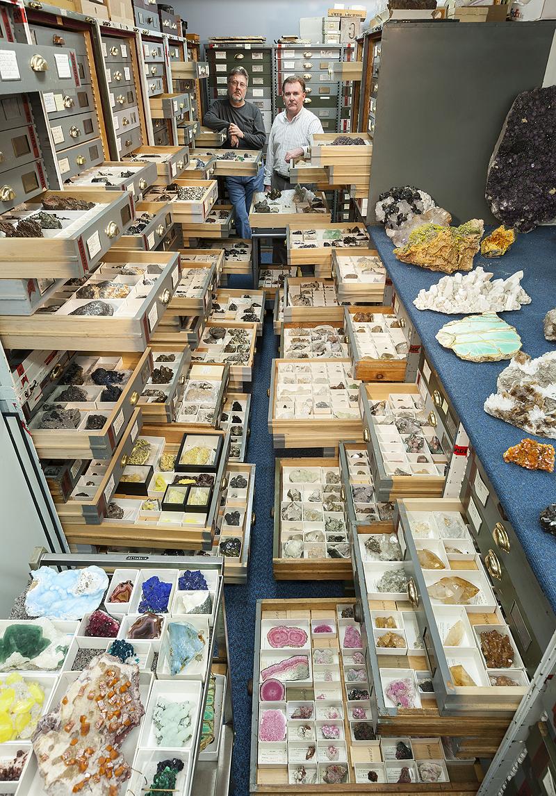 דגימות ומומחים מאוסף המחלקה לחקר המינרלים, צילום: Chip Clark