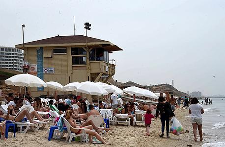 חוף הצוק בתל אביב, ארכיון, צילום: יאיר שגיא