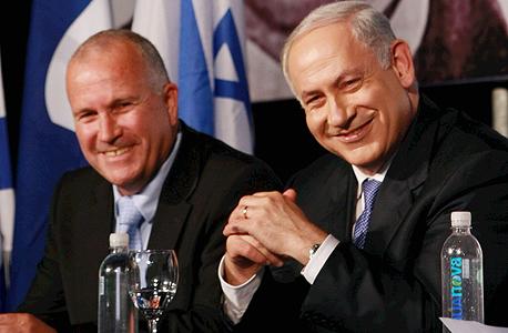 מימין בנימין נתניהו ראש הממשלה ומנכל הליכוד גדי אריאלי, צילום: צביקה טישלר