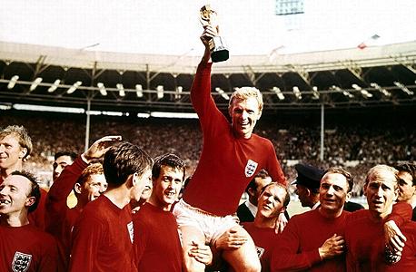 שחקני נבחרת אנגליה ב-1966. באוכלוסייה הכללית 1 מ־14 בני 65 ומעלה חולים במחלה בעוד בקרב שחקני עבר נראה שכמעט 4 מ־11 סובלים ממנה לפני גיל 65.