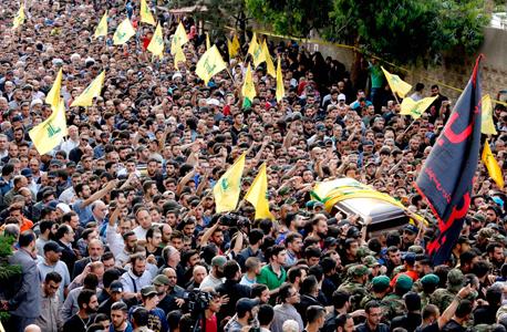 הלווייתו של בכיר חיזבאללה מוסטפא בדר א דין ב ביירות, צילום: אי פי איי