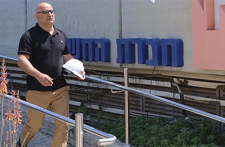 שמעון אלבז מהנדס פרויקטים בכיר ב חברת החשמל, צילום טל אזולאי