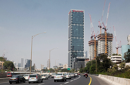 מגדל אלקטרה ב רחוב יגאל אלון תל אביב, צילום: אוראל כהן