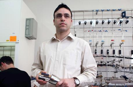 """ד""""ר חוסאם חאיק, ממומחי האתר. שיעור המרואיינים הערבים עומד על 2%"""