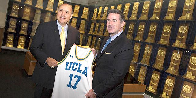 UCLA חתמה על הסכם חסות עם אנדר ארמור בשווי 280 מיליון דולר