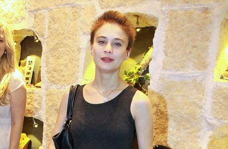 השחקנית לוסי דובינצ