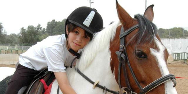 לא רק ים וסוסים: מה צריך לבדוק כשבוחרים קייטנה לילדים?