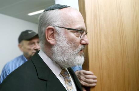 אדוארדו אלשטיין בכניסה לבית המשפט , צילום: עמית שעל