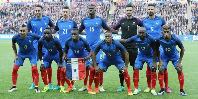 נבחרת צרפת. פוגבה מנהיג בכל גיל, צילום: איי פי