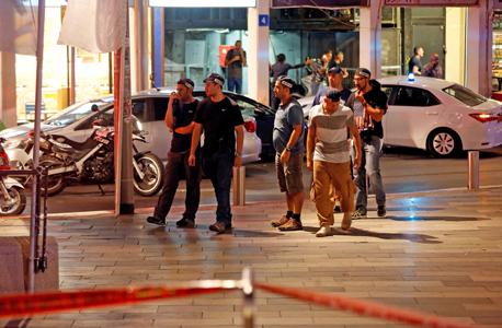 פיגוע מתחם שרונה תל אביב, צילום: רויטרס