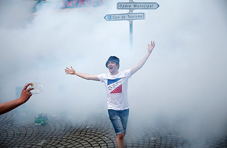 גז מדמיע. עונש קולקטיבי, צילום: איי פי
