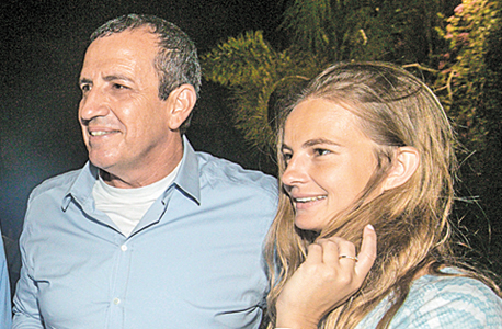 איל וולדמן ובת זוגו, צילום: אסף שילה / ישראל סאן