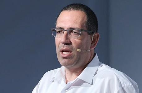 שמוליק ארבל, ראש המערך המסחרי בבנק לאומי, בכנס, צילום: עמית שעל