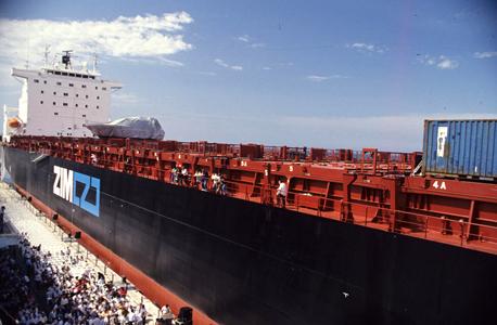 אונייה של חברת צים ב נמל חיפה, צילום: רון סולומון