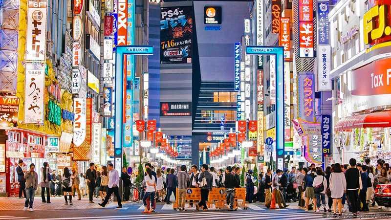 1. טוקיו, יפן: טוקיו משלבת בתוכה ניגודים החל מגורדי שחקים מוארים בניאון ועד למקדשים היסטוריים ויערות. טוקיו נחשבת למרכז חדשנות וזכתה ביותר כוכבי מישלן מכל עיר אחרת בעולם