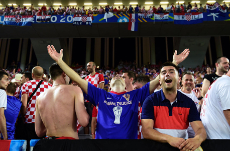 אוהדי נבחרת קרואטיה. הקרואטים אכן יותר גבוהים מהאירופאים הממוצעים, צילום: איי אף פי