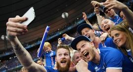 ארון גונארסון קשר נבחרת איסלנד עם אוהדי נבחרת איסלנד סלפי יורו 2016, צילום: גטי אימג'ס