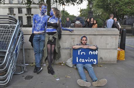 בריטניה ברקזיט צעיר מוחה בלונדון נגד תוצאות משאל העם, צילום: גטי אימג'