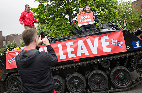 """תומכי הפרישה בסנדרלנד, בריטניה. """"אנשים מרגישים שלא מקשיבים להם, שצוחקים עליהם, על האופן שבו הם נראים, על הערכים שלהם"""", צילום: בלומברג"""