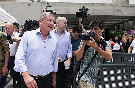 נוחי דנקנר יציאה מ בית המשפט 2, צילום: אוראל כהן