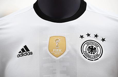 חולצת נבחרת גרמניה אדידס, צילום: אי פי איי