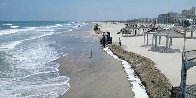 """חברת תש""""ן: עיקר החומר שדלף במפרץ חיפה נאסף, הנפט לא מגיע לחופים"""""""