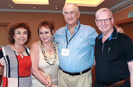 מימין: אבי דגני, גד פרופר, אתי פרופר ורינה דגני, צילום: דנה קופל