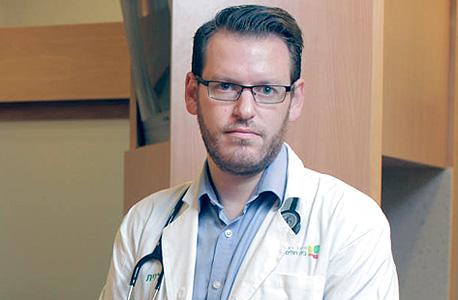 """ד""""ר דניאל גולדשטיין. מחירי תרופות הסרטן עלולים להיות גבוהים פי שלושה מכוח הקנייה, צילום: עמית שעל"""