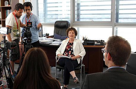 מאחורי הקלעים צילומי סרט מחאה קרנית פלוג נגידת בנק ישראל, צילום: עמית שעל